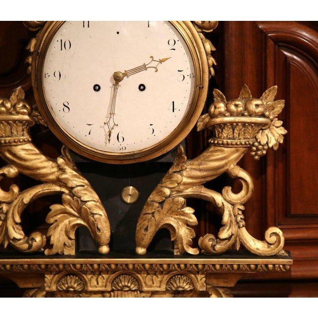 18th Century French Louis XV Carved Gilt Fruit Basket and Shell Wall Clock For Sale In Dallas - Image 6 of 10