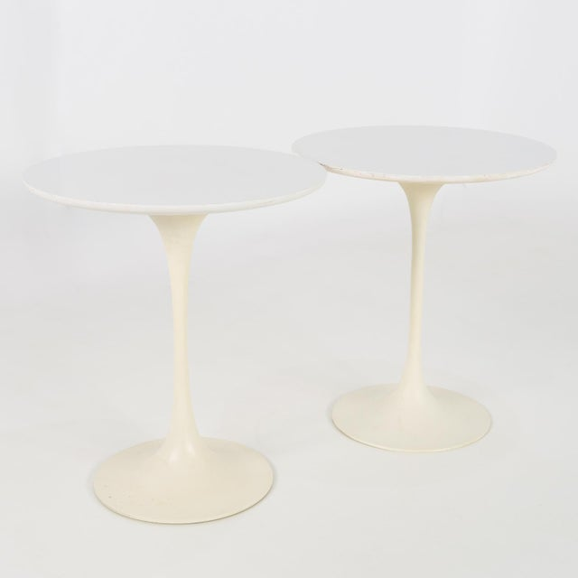 Knoll 1960s Mid Century Modern Eero Saarinen for Knoll Round Tulip Side Tables - a Pair For Sale - Image 4 of 6