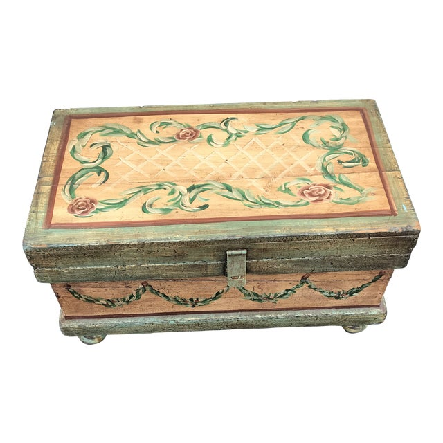 18th Century Traditional Hand-Painted Beige Trunk For Sale