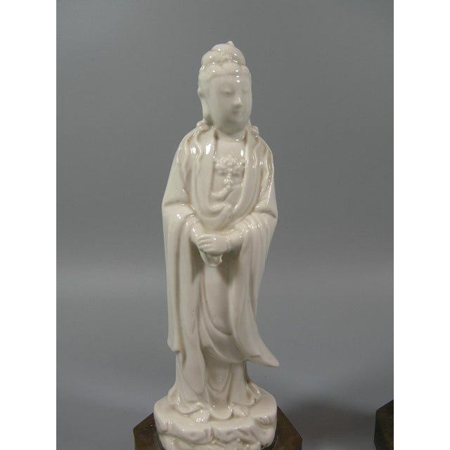 Chinese Antique Chinese Dehua Blanc De Chine Porcelain Standing Guanyin/Kwan Yin Statues - Set of 2 For Sale - Image 3 of 8