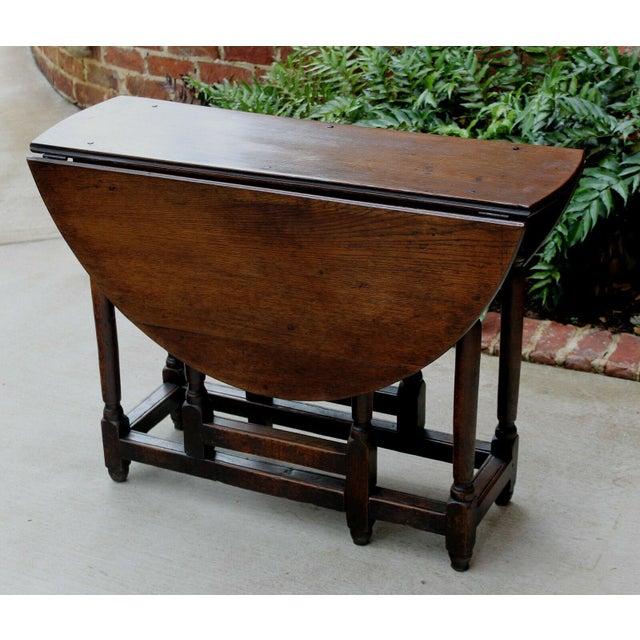 Antique English Traditional Oak Table Drop Leaf Gate Leg Farmhouse Sofa Table For Sale - Image 4 of 13