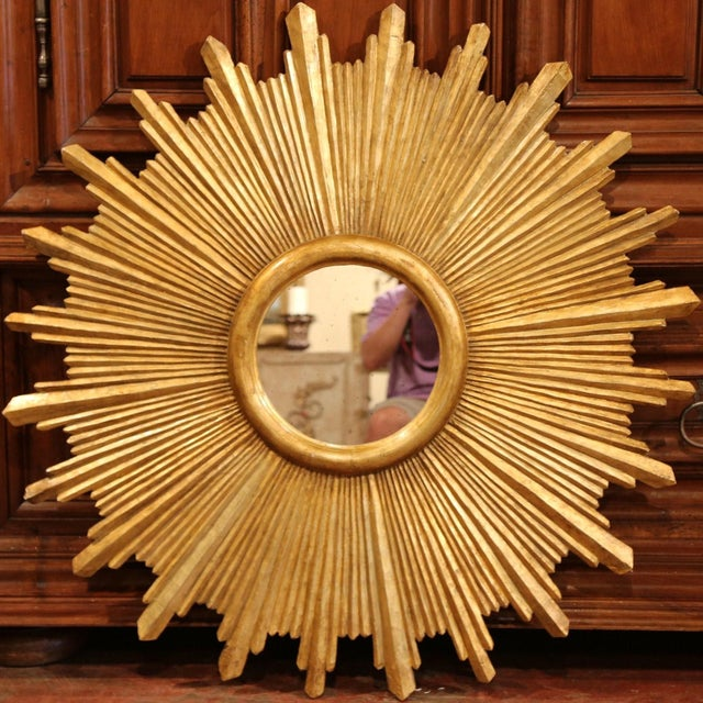 Large Pair of Italian Carved Giltwood Sunburst Mirrors For Sale - Image 10 of 11