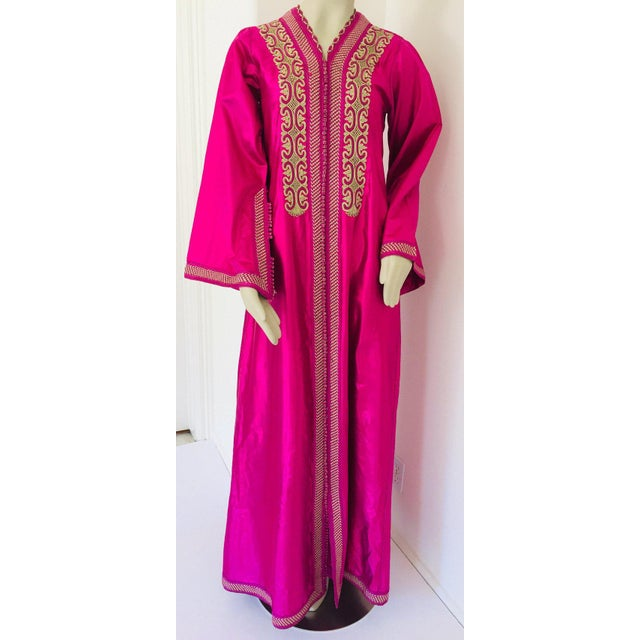 Metal Moroccan Vintage Caftan 1970s Kaftan Maxi Dress Hot Pink Fuchsia For Sale - Image 7 of 13