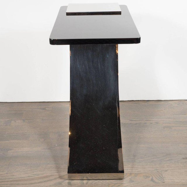 Sophisticated Modernist Polished Nickel and Black Lacquer Side or Drinks Table - Image 6 of 8