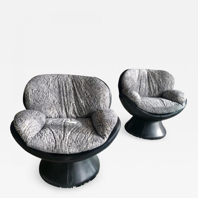 1960s Vintage Les Amisca for Quebec 69 Leather Swivel Chairs- A Pair For Sale - Image 4 of 4