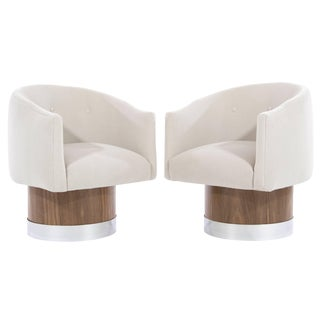 Mid-Century Modern Swivel Chairs on Walnut Bases by Milo Baughman For Sale