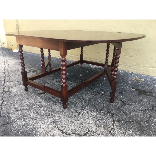Early 19th Century American Sheraton Cherry Acanthus Carved Drop-Leaf Table, Circa 1820 For Sale - Image 5 of 12