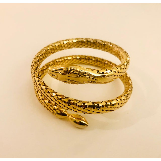 Traditional Victorian Revival Gold Mesh Serpent Bracelet For Sale - Image 3 of 8