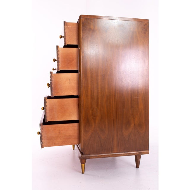 """1960s Kent Coffey """"The Continental"""" Mid Century Walnut Highboy Dresser For Sale - Image 5 of 12"""