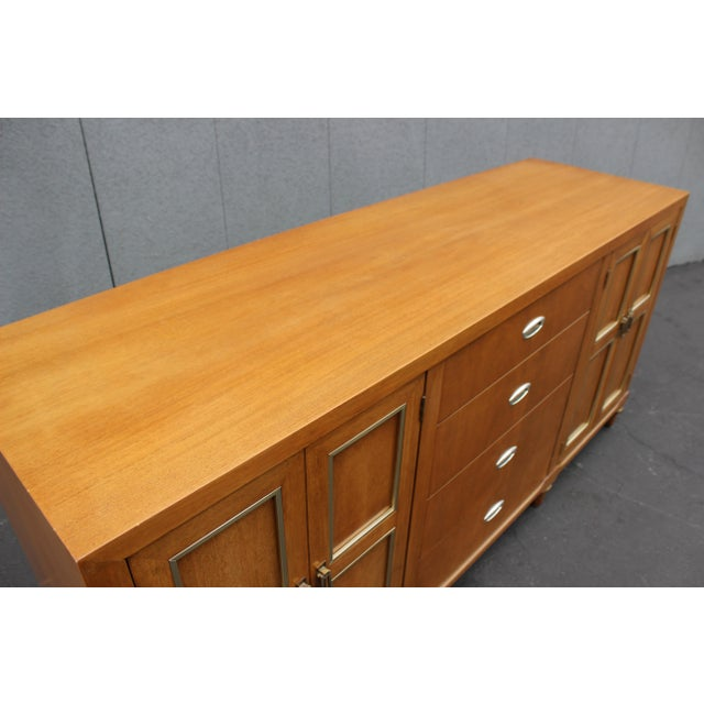 American Mid Century Credenza by American of Martinsville For Sale - Image 3 of 5