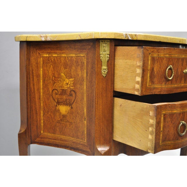 French Louis XV Style Inlaid Marble Top Bombe Nightstand For Sale In Philadelphia - Image 6 of 11