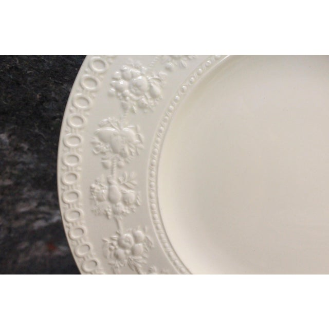 Mid 20th Century Vintage Wedgwood Dinner Plates - Set of 8 For Sale - Image 5 of 6