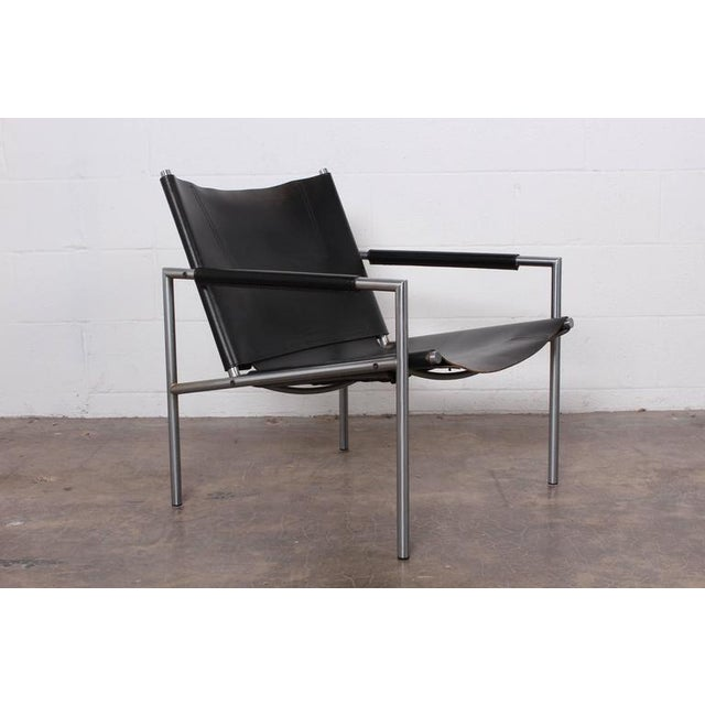 Industrial Pair of Leather Lounge Chairs by Martin Visser For Sale - Image 3 of 10