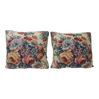 Pair of Floral Cabbage Roses Linen Decorative Pillows For Sale