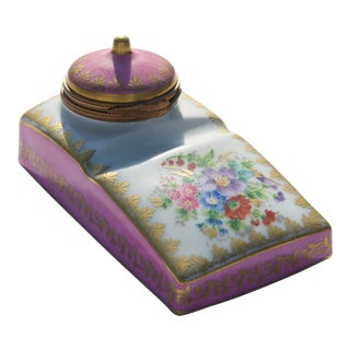 Late 19th Century Hand-Painted Porcelain Inkwell by Limoges For Sale