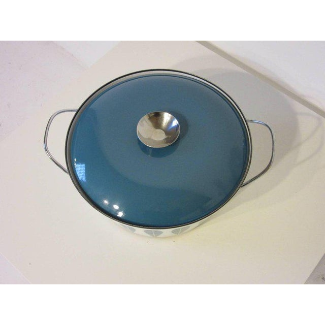 A blue and white Cathrineholm large enamel severing bowl with matching lid and original chrome handles, a classic design...
