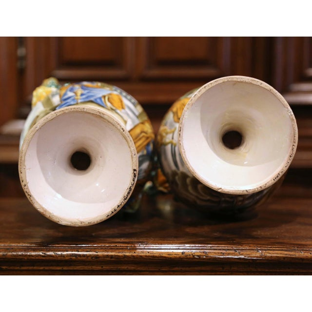19th Century Italian Classical Painted Majolica Vases With Roman Scenes - a Pair For Sale - Image 12 of 13