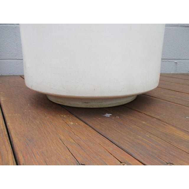 Mid-Century Off-White Ceramic Planter Gainey Style Architectural Pottery For Sale In Phoenix - Image 6 of 11