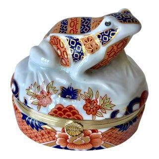 Imari Porcelain Frog Trinket Box For Sale