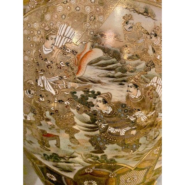 1940s Satsuma Thousand Face Vase or Urn Palace Sized Twin Handled For Sale - Image 5 of 13