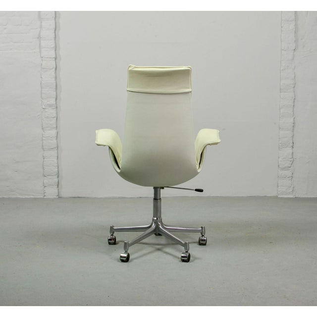 1960s Mid-Century Modern Design White Leather High Back 'Bird' Desk Chair by Preben Fabricius for Alfred Kill International, 1960s For Sale - Image 5 of 13