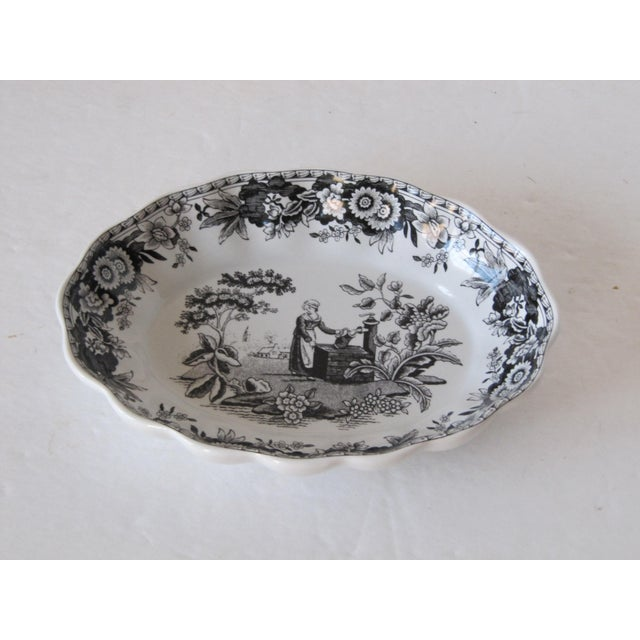 English Traditional Black & White Spode Transferware Bowl For Sale - Image 3 of 3