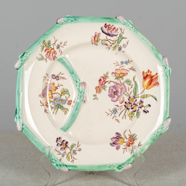 Longchamp Longchamp French Majolica Asparagus Plates and Serving Set For Sale - Image 4 of 13