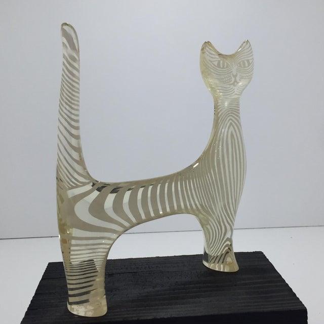 Mid-Century Modern Mid Century Abraham Palatnik Lucite Cat Sculpture For Sale - Image 3 of 5