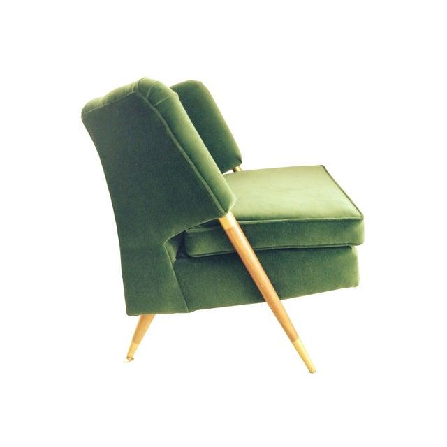 Mid-Century Emerald Green Velvet Chair For Sale