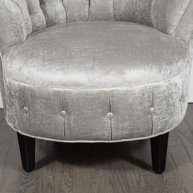 1940s Hollywood Regency Asymmetrical Tufted Chair in Platinum Velvet For Sale - Image 9 of 11