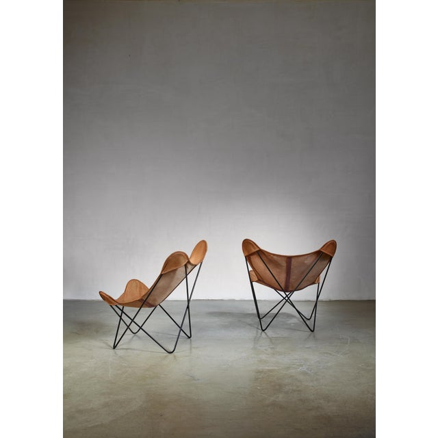 Mid-Century Modern Pair of Knoll Butterfly Chairs For Sale - Image 3 of 5