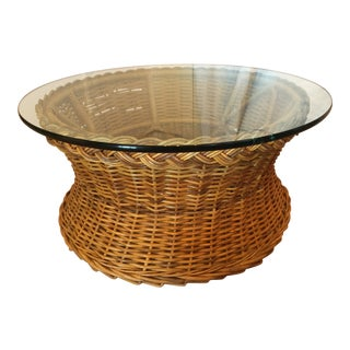 1970s Boho Chic Round Wicker Coffee Table For Sale
