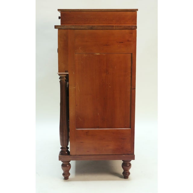 American Classical Mid 19th century American Federal Chest Dresser For Sale - Image 3 of 5