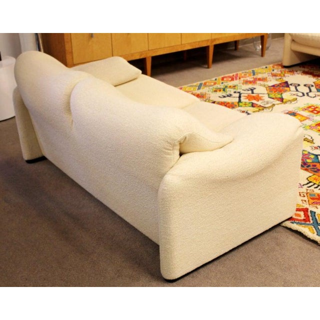 Mid-Century Modern Atelier Int Maralunga Sculptural Loveseat by Magistretti for Cassina For Sale In Detroit - Image 6 of 10