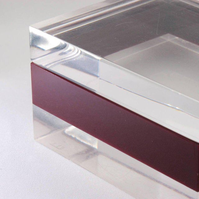Dunhill England 1970s Mid-Century Bi-Color Lucite Box For Sale In Atlanta - Image 6 of 9