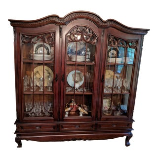 1950s English Traditional Cherry China Cabinet For Sale