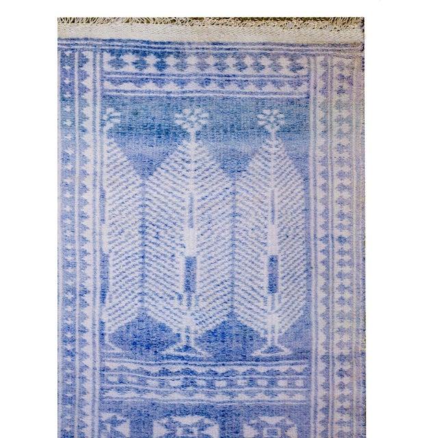 Vintage Blue and White Yadz Kilim For Sale - Image 4 of 9