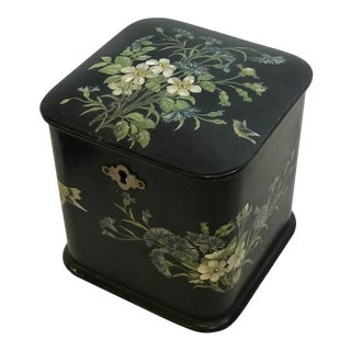 19th Century Black Lacquer Chinoiserie Tea Caddy For Sale