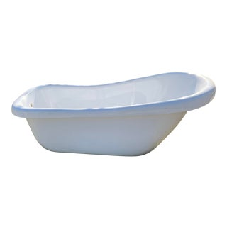 Soaking Tub, Fiber Glass, With Silver Claw Feet For Sale