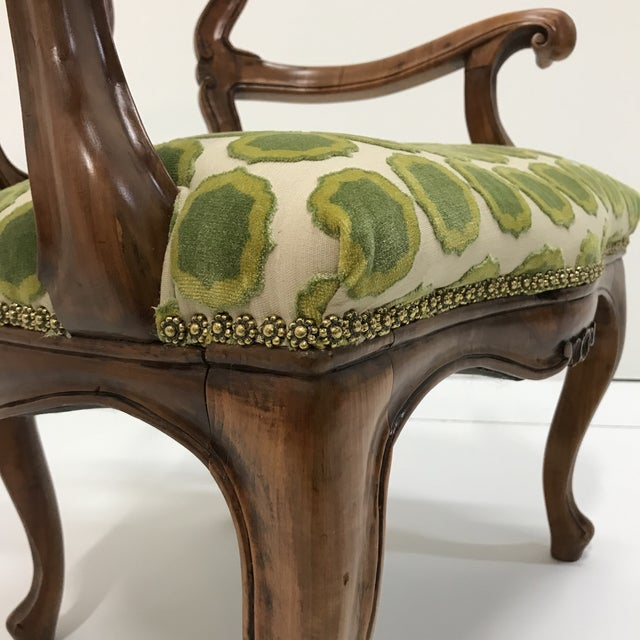 Asparagus Early 20th Century Hand Carved Satin Wood Italian Vanity Chair Cabriole Leg For Sale - Image 8 of 12