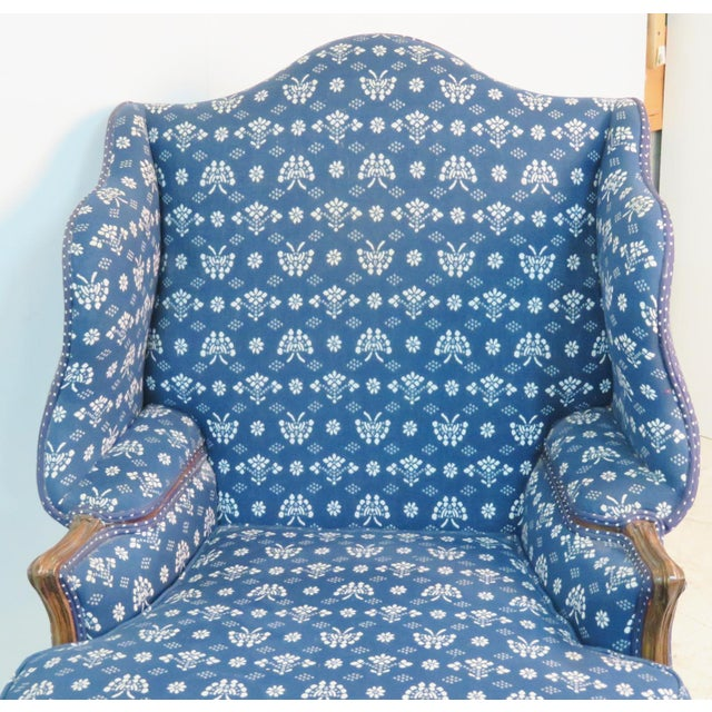 Louis XV Trouvailles Style Blue Upholstered Chaise Lounge For Sale In Philadelphia - Image 6 of 7