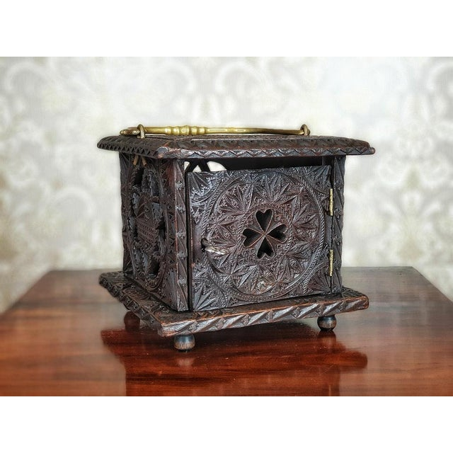 We present you a foot warmer in the shape of a cubical openwork case; with a door that can be closed with a key. The whole...
