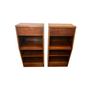 1970s Traditional Heritage Henredon Nightstands - a Pair For Sale