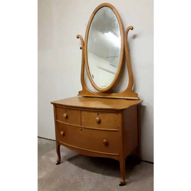 Traditional Early 20th Century Maple Vanity Dresser For Sale - Image 3 of 8
