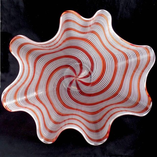 Aureliano Toso Dino Martens Murano Vintage 1950s Red Orange Italian Art Glass Mid Century Fazzoletto Flower Vase For Sale - Image 4 of 6
