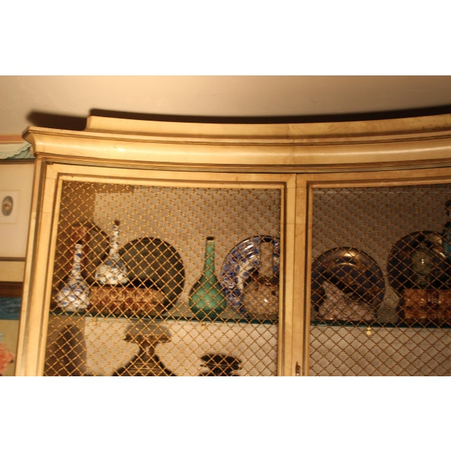 Hollywood Regency 1940s Vintage Grosfeld House Lacquered Parchment China Cabinet For Sale - Image 3 of 6