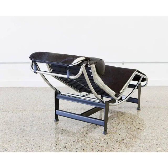 Le Corbusier Lc4 Chaise With Chrome Frame, Natural Hide by Gordon International For Sale - Image 4 of 12