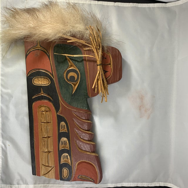 Wood Cecil Dawson Native Northwest Grizzly Bear Painted Wood Carving, Signed For Sale - Image 7 of 13