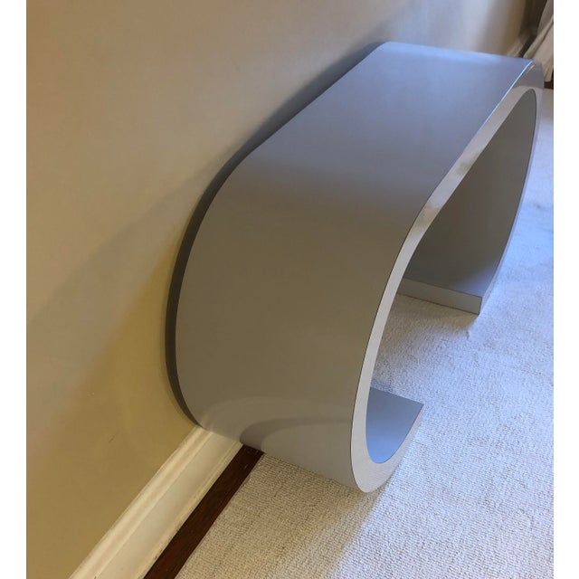 Postmodern Curved Laminate Console Table in Light Gray For Sale - Image 9 of 10