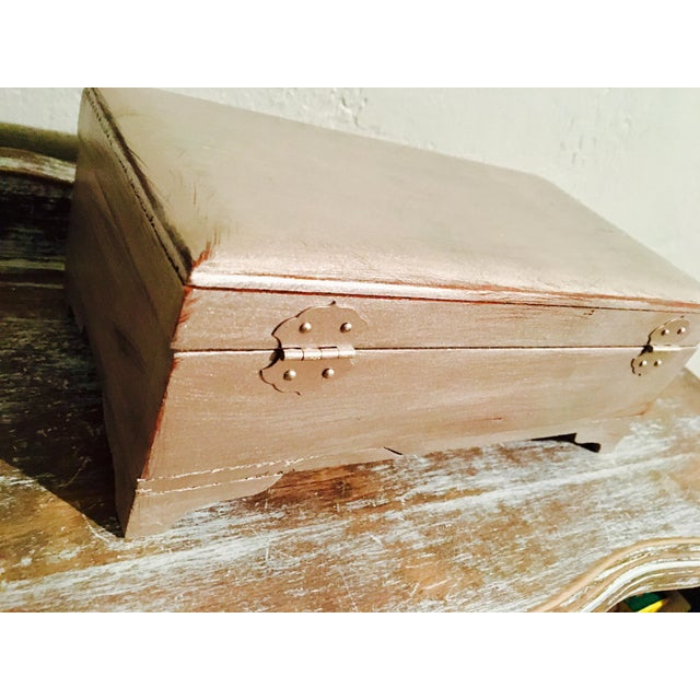 Vintage Shabby Chic Cedar Box - Image 7 of 9
